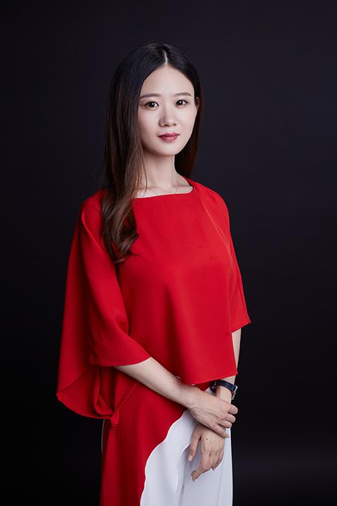 青山资本投资副总裁艾笑照片