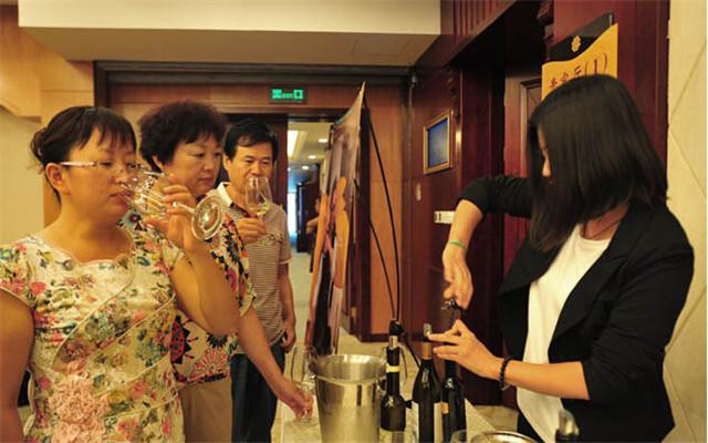 2015年(第二届)国际葡萄酒技术高峰论坛现场图片
