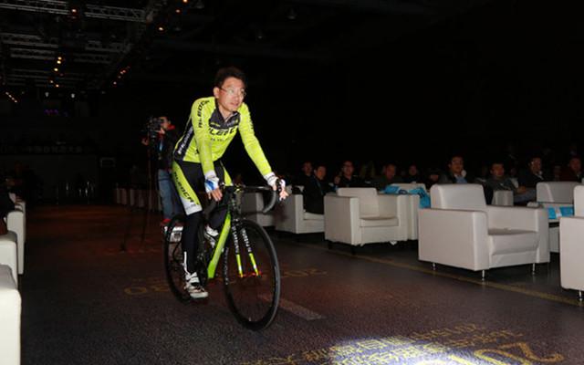 2016中国自驾游大会现场图片